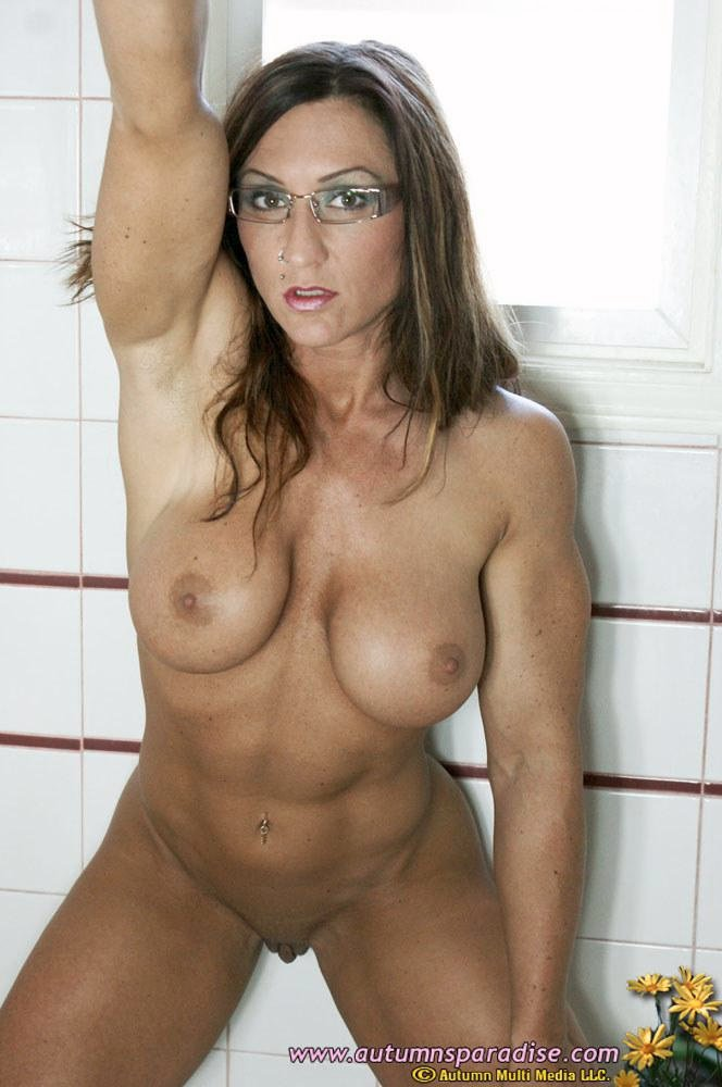 sexy naked muscle girl